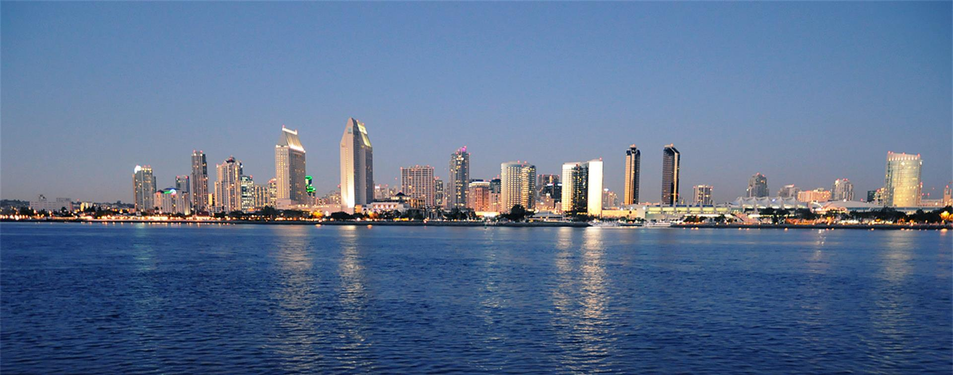 A picture of the San Diego skyline